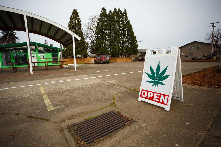 Marijuana Dispensary Sign in Springfield, OR